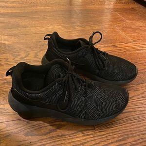 Black Nike Tarjuns